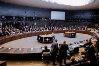 من اجتماعات الناتو (الفرنسية)