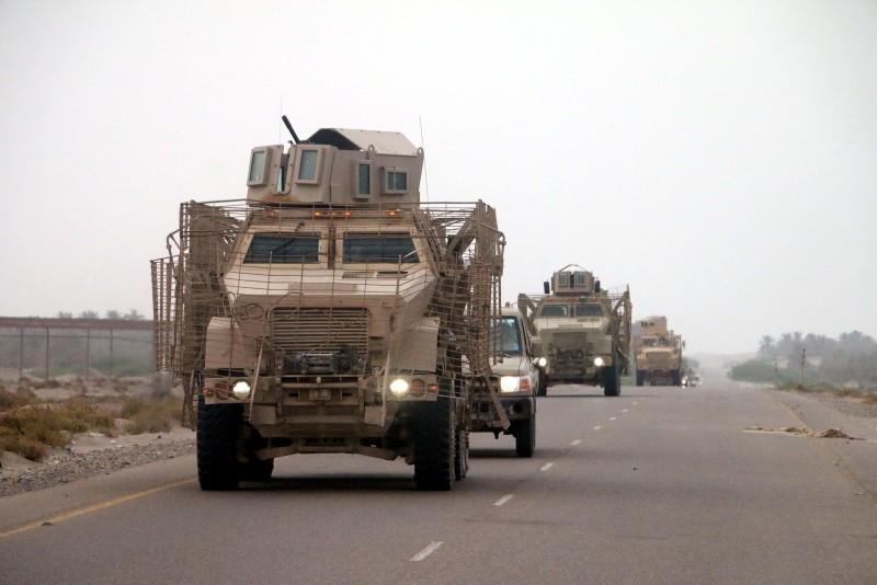 Yemeni forces backed by the Saudi-led coalition gather near the outskirts of the western port city of Hodeidah, Yemen, June 12, 2018. (EPA Photo)