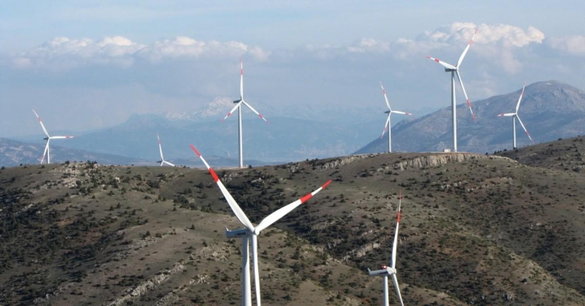 Wind turbines seen in Dinar district of Turkeyu2019s western province of Afyonkarahisar, March 28, 2019. (AA Photo)