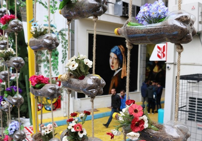 'Recycled Street' in Turkey's Van a colorful destination for locals, tourists