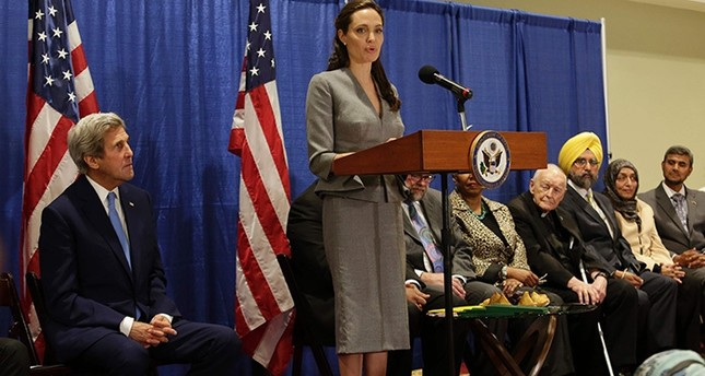 Actress Angelina Jolie, UNHCR special envoy, speaks during an interfaith Iftar reception to mark World Refugee Day at the All Dulles Area Muslim Society in Sterling, Virginia on June 20, 2016 (AFP Photo)