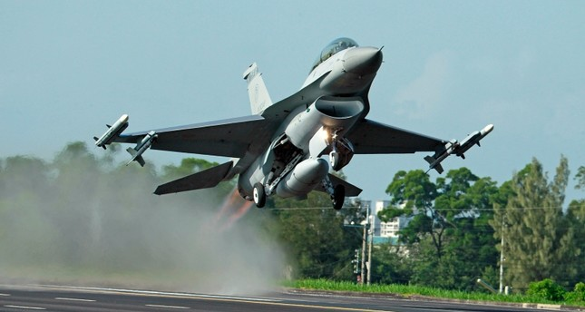 China to sanction US firms in Taiwan fighter jet deal