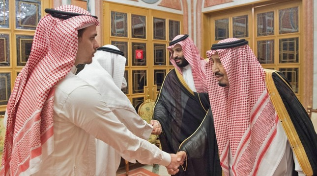 A handout picture provided by the Saudi Press Agency SPA on October 23, 2018 shows Saudi King Salman R, his son Crown Prince Mohammed bin Salman 2nd R, meeting with family members of slain journalist Jamal Khashoggi in Riyadh. AFP Photo