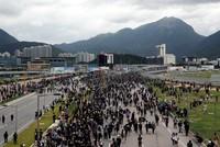 Hongkong: Hunderte versammeln sich am Flughafen