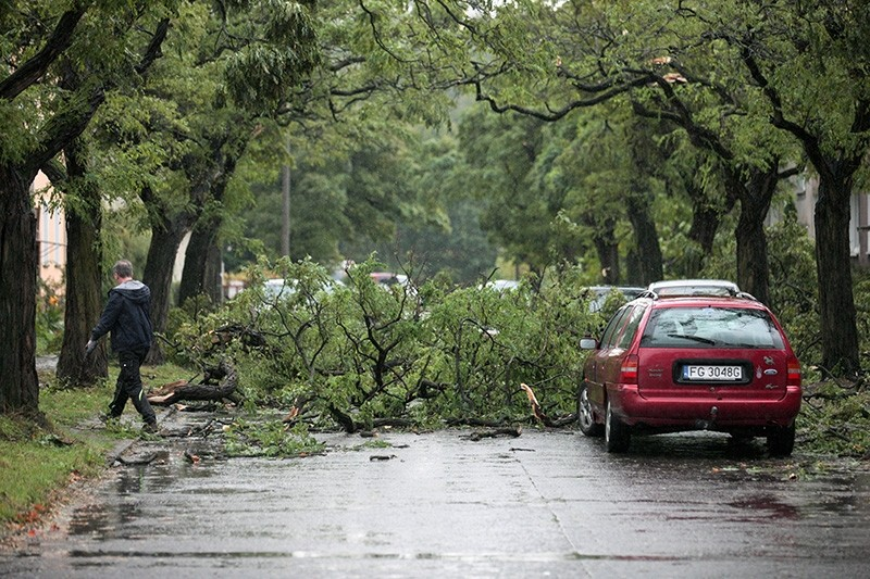 Tree branches ripped off by hurricane 'Xavier cover a street in Gorzow Wielkopolski, Poland, 06 October 2017. (EPA Photo)