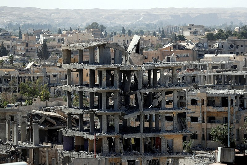 A view of destroyed buildings at the frontline in Raqqa, Syria October 16, 2017 (Reuters Photo)