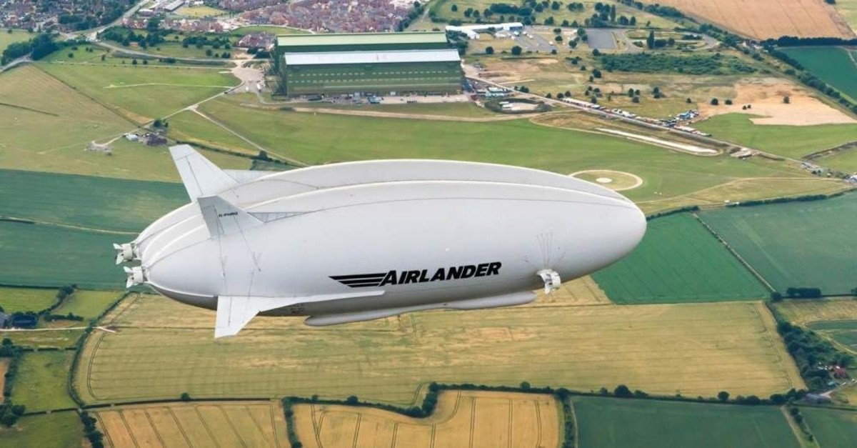 The Airlander, a new hi-tech aircraft developed by a U.K.-based company, will take tourists to the North Pole.