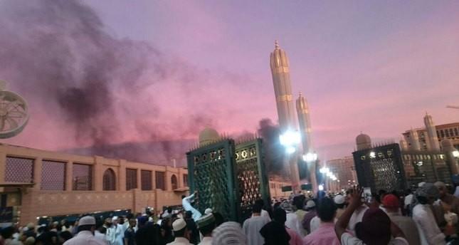 قتلى وجرحى في ثلاثة تفجيرات انتحارية بالسعودية أحدها قرب الحرم النبوي