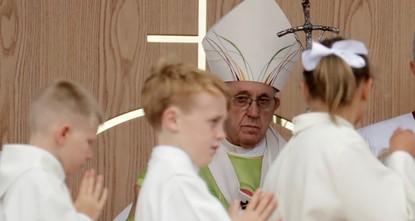 Nach Missbrauchsfällen: Papst bittet um Vergebung