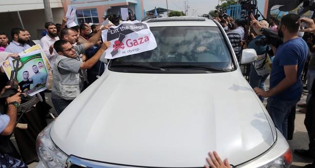 أهالي المعتقلين في السجون الإسرائيلية يحتجون على زيارة غوتيريش رويترز