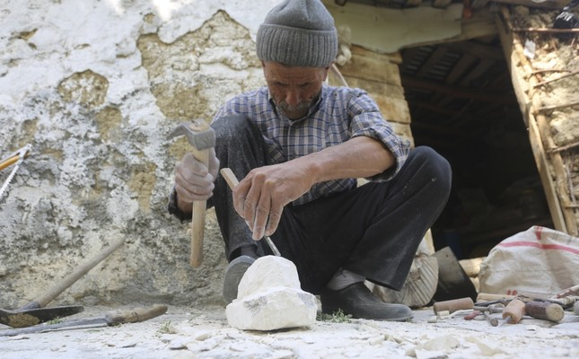 Gündüz enjoyed observing historical artifacts in the area from Roman,Byzantine periods since his childhood. He started to work on little gems,stones inspired by those artifacts. With time he improved his skill,now his sculptures mesmerize spectators.