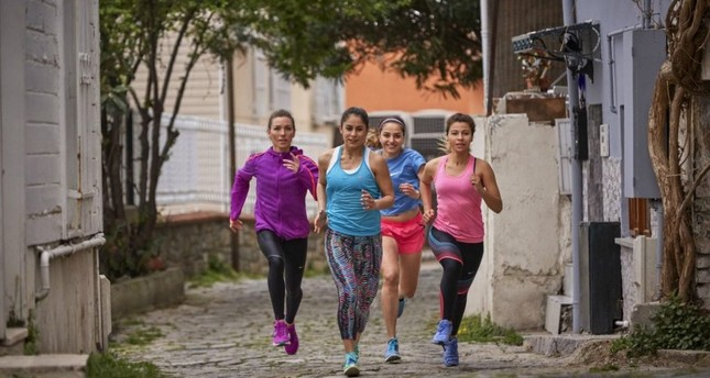 Urban sports no challenge with Istanbul's running clubs
