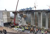 Arbeiter in Kocaeli unter Betonblock begraben