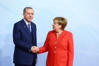 Merkel shows great interest in Erdoğan's Bosnia rally