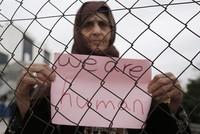 Etwa 100 Flüchtlinge aus Pakistan, Afghanistan und Syrien behaupten, dass sie von griechischen Behörden geschlagen und in die Türkei zurückgedrängt wurden.  Die Flüchtlinge waren gestern vom...