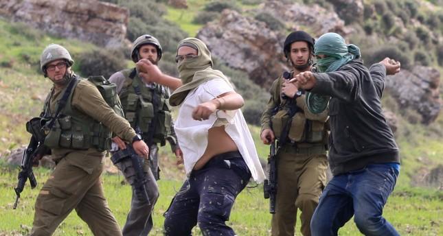 مستوطنون إسرائيليون يهاجمون مدرسة ابتدائية شمال الضفة الغربية