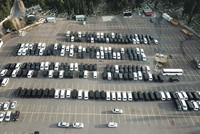 Uber vans fill depository car parks in Istanbul amid legal challenges