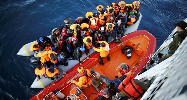 خفر السواحل التركي ينقذ 28 مهاجرا كانوا على وشك الغرق في بحر إيجة