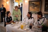 Merkel respektiert Özils Rücktrittsentscheidung