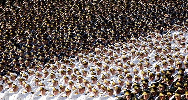 وزراة الدفاع التركية تفصل 1248 شخصاً مواليأً لغولن داخل لجيش