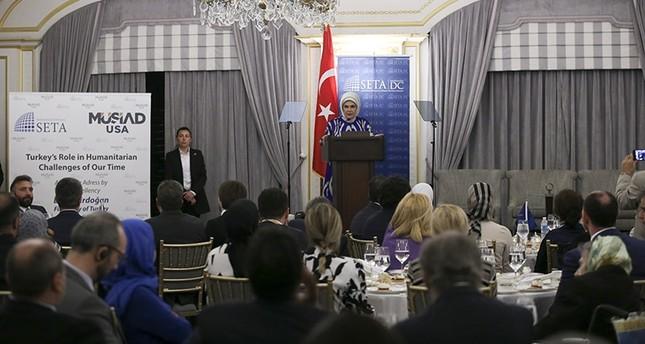 أمينة أردوغان تشيد بدور تركيا في مجال المساعدات الإنسانية