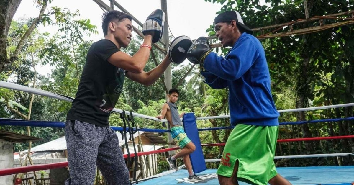 Filipino boxers train at an open boxing ring in Magallanes, Nov. 14, 2019. (AFP Photo)