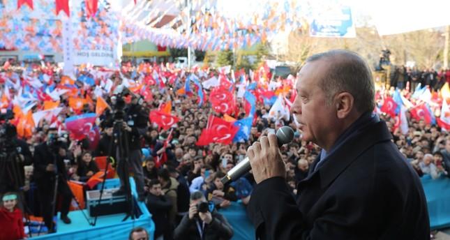 President Recep Tayyip Erdoğan addresses people in western Isparta province, Feb.18, 2019.