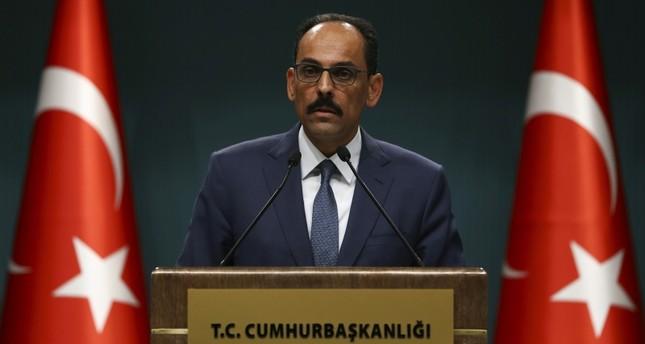 متحدث الرئاسة التركية والمبعوث الأمريكي لسوريا يبحثان توسيع التعاون بمنبج إلى شرقي الفرات