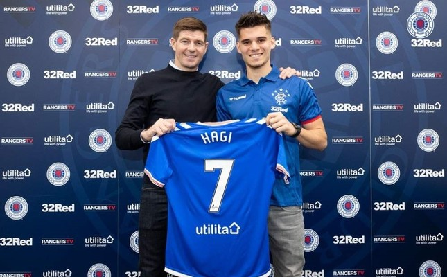 Gerrard L and Hagi pose after the signing ceremony, Glasgow, Jan. 30, 2020. IHA Photo