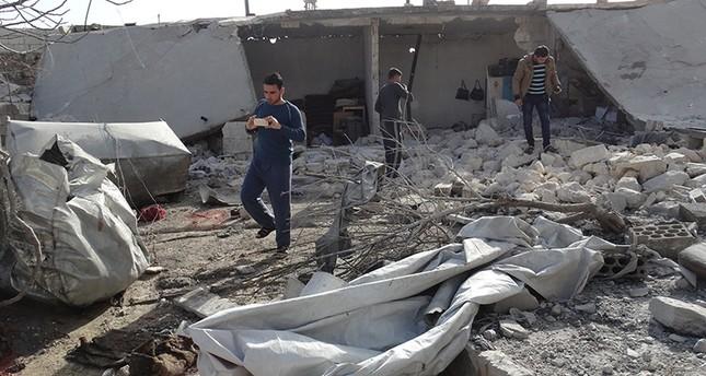 مقتل 12 مدنياً في غارة للنظام السوري على إدلب