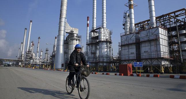 تركيا تدرس فرصة تجديد تكنولوجيا أنابيب الطاقة في إيران