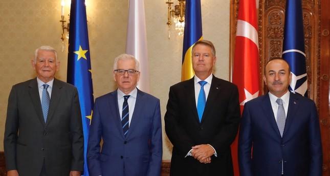 مولود تشاوش يشارك في الاجتماع الرابع لوزراء خارجية تركيا وبولندا ورومانيا