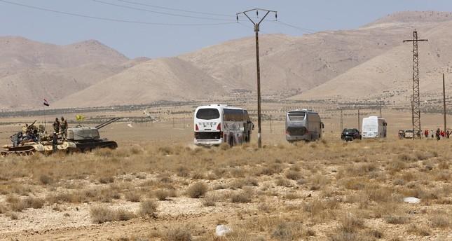 المرصد السوري لحقوق الإنسان: نظام الأسد نقل المئات من إرهابيي داعش إلى إدلب