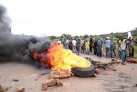 Zimbabwe completely shuts internet amid protests, violent crackdown