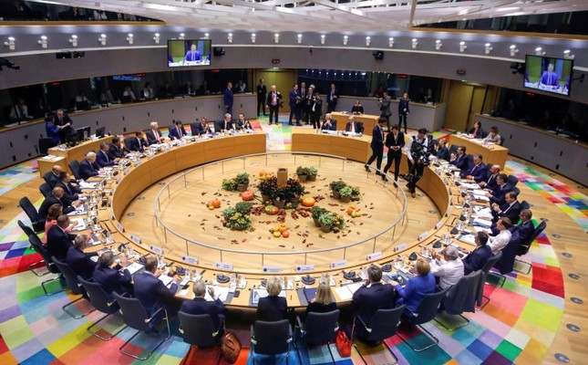 European Union leaders attend a round table meeting at a summit in Brussels, Oct. 17, 2019. (Reuters Photo)