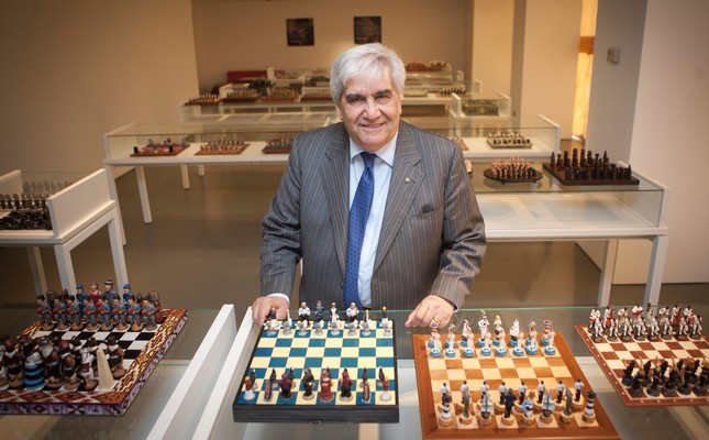 Akın Gökyay estalished the museum in 2015, to exhibit 686 chess sets collected from over 100 countries.
