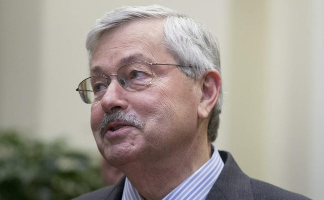 China's foreign ministry on Nov. 25 summoned current U.S. Ambassador to China, Terry Branstad, to demand the Trump administration block the Hong Kong Human Rights and Democracy Act. (EPA Photo)