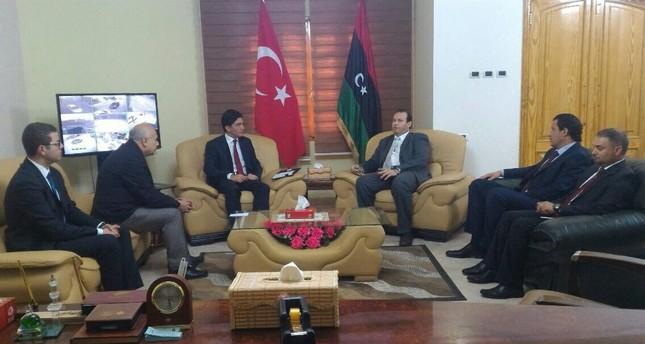 السفير التركي بطرابلس يبدي استعداد بلاده لتدريب عناصر طبية ليبية
