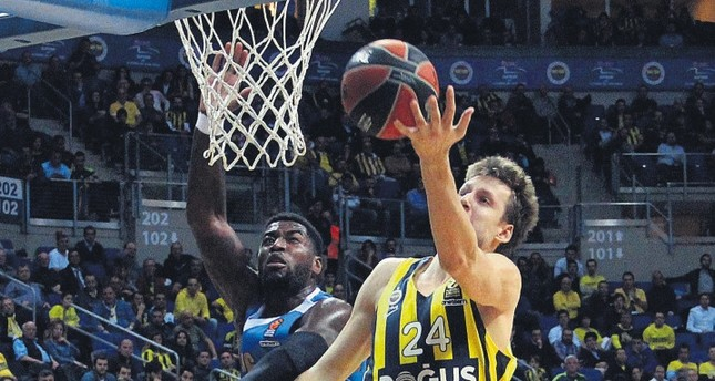 Fenerbahçe's Jan Vesely shined last week with 15 points aganst Crvena Zvezda.