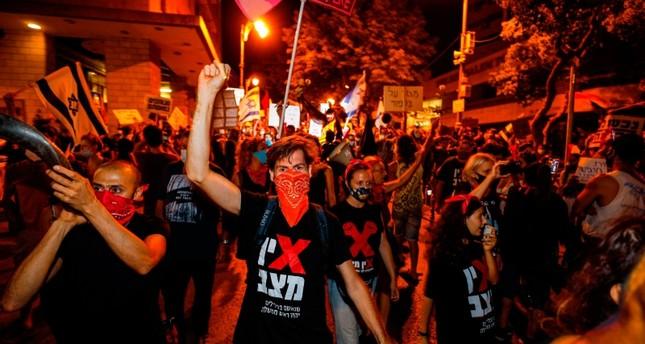 تظاهرات تطالب بإسقاط نتنياهو تعمق خلاف الائتلاف الحكومي
