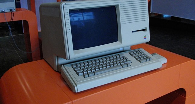 1983 Apple computer expected to sell for $40,000