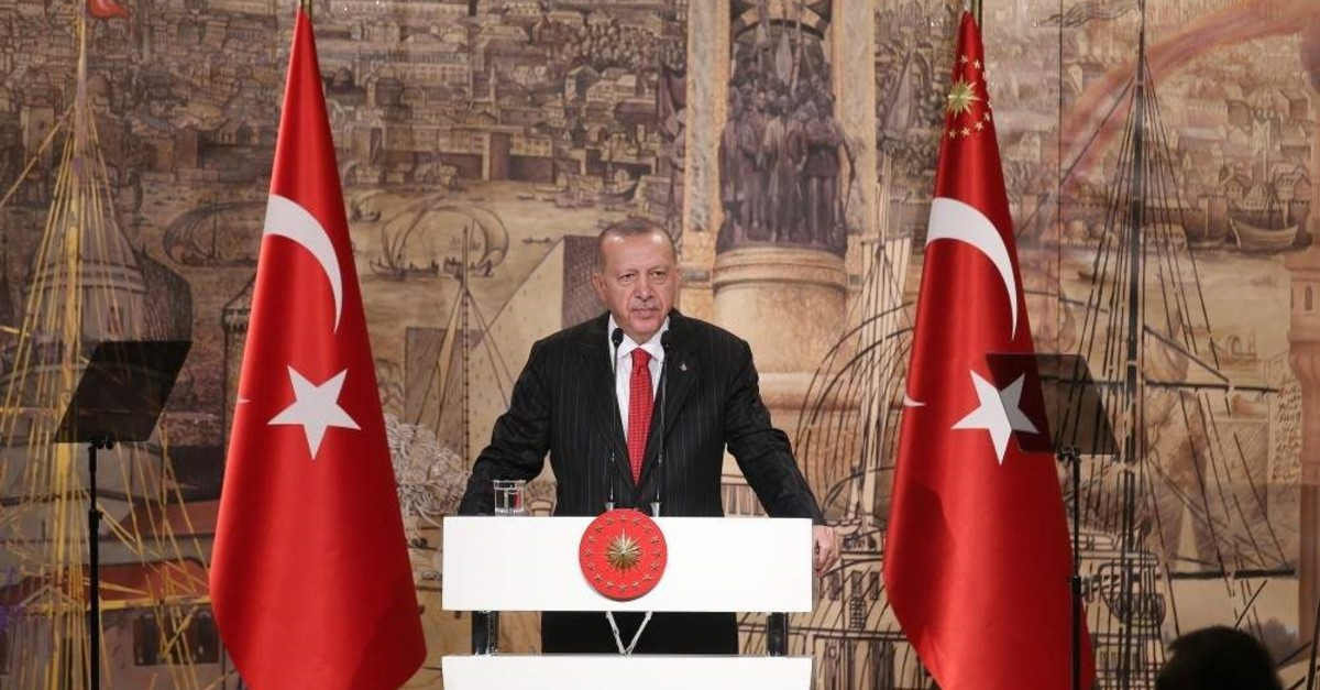 With a number of issues on Turkey's agenda, President Recep Tayyip Erdo?an addresses the media in Istanbul, Oct. 18, 2019. (AFP)