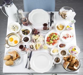 Breakfast is particularly enjoyable at Bir Varmış Bir Yokmuş.