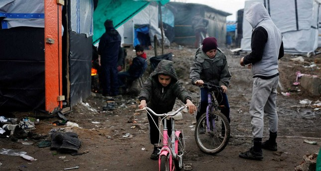 Calais refugee children in UK subjected to 'unethical' dental test to verify age