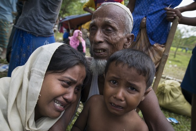 Tragedy lingers as Rohingya Muslims flee Myanmar crackdown