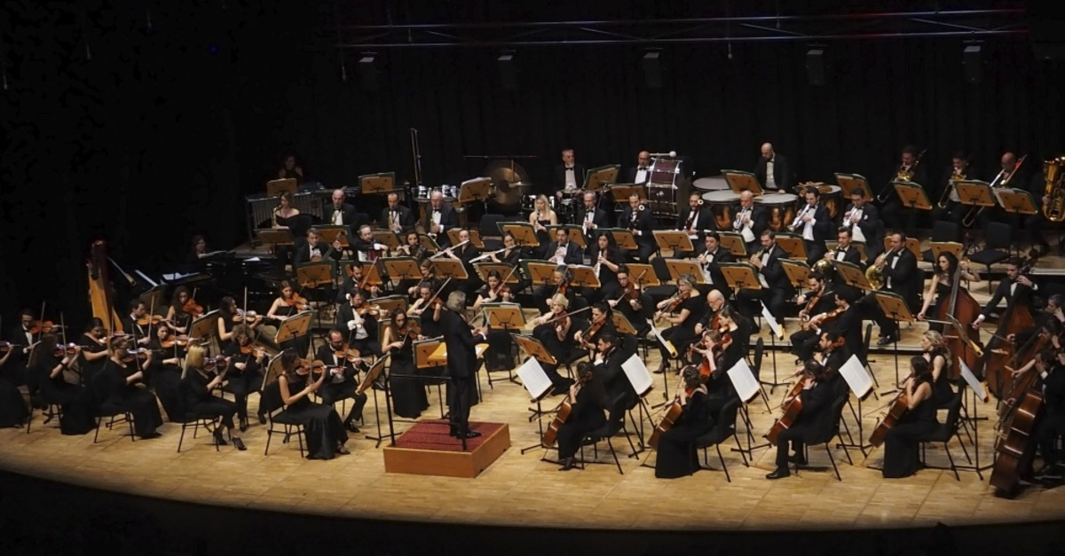 The CRR Symphony Orchestra will perform the oratorio.