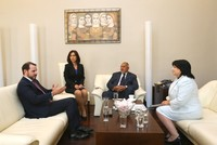 Energy and Natural Resources Minister Berat Albayrak met Bulgarian Prime Minister Boyko Borisov and Energy Minister Temenuzhka Petkova in Sofia Wednesday. At the meetings, Turkey and Bulgaria...