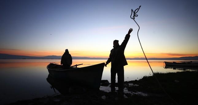 Fishing a family affair in Konya's Lake Suğla