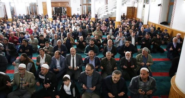في ذكرى المولد النبوي الشريف.. مساجد تركيا تفيض بالمصلين