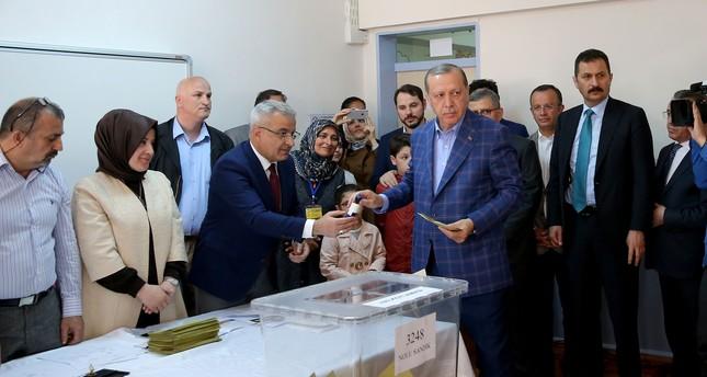 أردوغان: الاستفتاء استثنائي كونه يتعلق بمستقبل تركيا